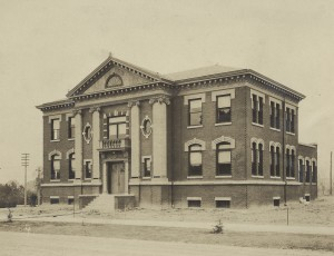 Carnegie Library (now the Forney Building) in 1905