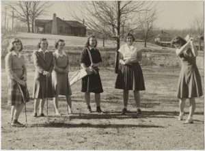 WC students on the campus golf course, 1940